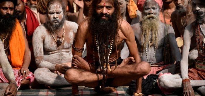 Indio en asana | Castas de la india | Cultura de la India